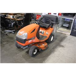 2002 KUBOTA T1570 RIDE-ON LAWN MOWER WITH BAGGER - RUNNING CONDITION