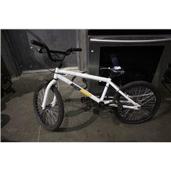 WHITE BLACKSHEEP BS18 BMX BICYCLE