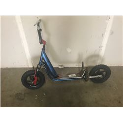 SCOOTER WITH SHOCKS