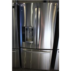 "33"" STAINLESS STEEL LG FRIDGE WITH BOTTOM FREEZER AND WATER & ICE"