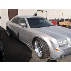 2005 CHRYLSER 300, 4DR SEDAN, GREY, VIN #  2C3JA53G35H126934