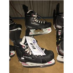 2 PAIR OF EASTON EQ50 HOCKEY SKATES: SIZE 13.8 / 13.6