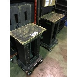 2 MOBILE CARTS WITH WOOD STAGE BLOCKS, FABRIC & 2 MOBILE LIGHTING STANDS