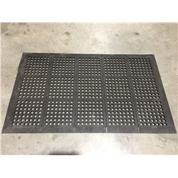 COMMERCIAL BLACK RUBBER KITCHEN FLOOR MAT  (ASK FOR ASSISTANCE WHEN REMOVING)