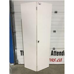 WHITE BI-FOLD DOOR