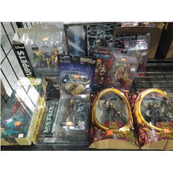 LOT OF ASSORTED COLLECTIBLES INCLUDING LORD OF THE RINGS, MATRIX, BACK TO THE FUTURE AND MORE