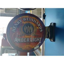 HENRY WEINHARD'S AMBER LIGHT ALE LIGHT-UP BEER SIGN