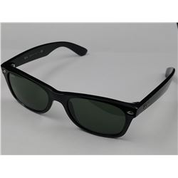 PAIR OF RAY-BAN SUNGLASSES WITH CASE