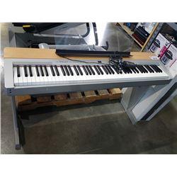 YAMAHA P-140 ELECTRONIC PIANO