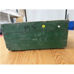 BEVERAGE BOX (PAINTED GREEN)
