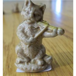 J. WADE FIGURINE *CAT & FIDDLE* (SINGLE)