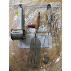 HOUSEHOLD TOOLS (GRATER, STRAINER, TONGS)