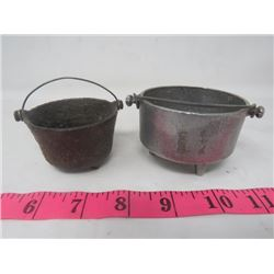 MINI 3 LEG POTS X2 (1-ALUMINUM, 1-CAST IRON)