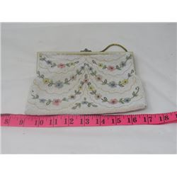 LADIES BEADED PURSE (BEADED W/STRAP) *VINTAGE*