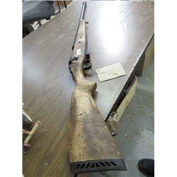 MOSSBERG BOLT ACTION 12 GAUGE SHOTGUN (12 GAUGE)