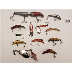 LOT OF ASSORTED FISHING LURES *VINTAGE* (QTY 12)