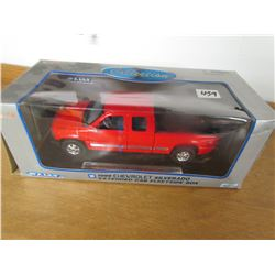TOY TRUCK (1991 CHEV SILVERADO 1-18) *ORIGINAL BOX*