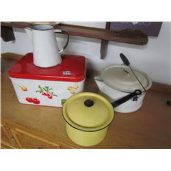 LOT OF KITCHEN WARE (4 PCS), ENAMEL WARE (3 PCS) & BREAD BOX