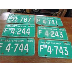 LOT OF 6 LICENCE PLATES (1969) *LOW DIGIT SASKATCHEWAN*