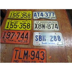 LOT OF 7 LICENCE PLATES (ASSORTED AMERICAN) *TRAILER ETC…*
