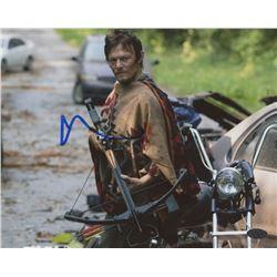 "Norman Reedus Signed ""The Walking Dead"" 8x10 Photo (Leaf COA)"