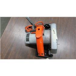 "7.5"" BLACK AND DECKER CIRCULAR SAW"
