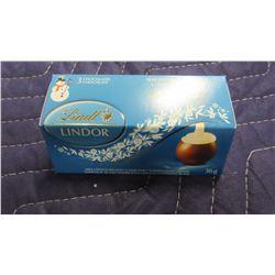 LINDT LINDOR MILK & WHITE CHOCOLATE (36 G) - PER PKG