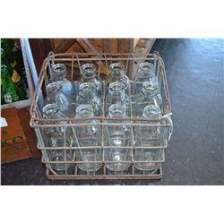 Vintage Milk Carrier / 12 bottles