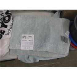 WAMSUTTA BATH RUG AND TOWEL
