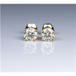 19CAI-19 DIAMOND STUD EARRINGS