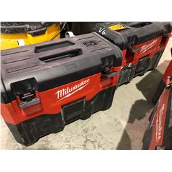 2 Milwaukee suitcase vacuums rechargeable, without batteries