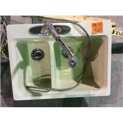 Blanco double sink with Moen tap set, composite