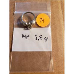 Beautiful 14K White Gold Ring Total Weight 3 .84 Grams