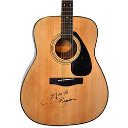 Garth Brooks Singed Yamaha F335 Acoustic Guitar