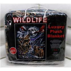 "NEW! ""WILDLIFE"" LUXURY PLUSH BLANKET (QUEEN)"