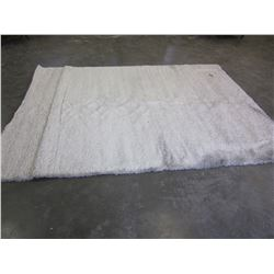 7FT WHITE SHAG AREA RUG