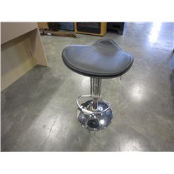 BLACK AND CHROME GAS LIFT STOOL