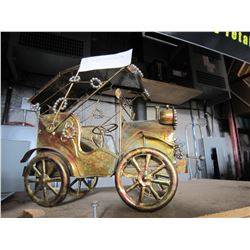 METAL TIN WIND UP MUSICAL CAR