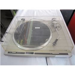 PIONEER QUARTZ PL-300 AUTO RETURN RECORD PLAYER