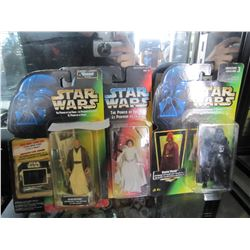 3 STAR WARS ACION FIGURES IN BOX