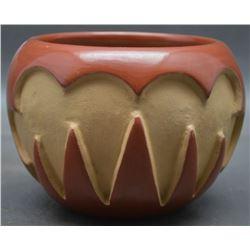 SANTA CLARA INDIAN POTTERY JAR (ANITA SUAZO )