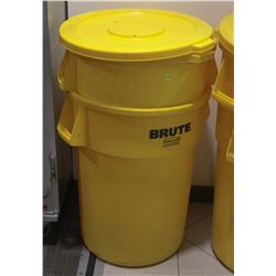 LOT OF 2 YELLOW RUBBERMAID BRUTE GARBAGE BINS