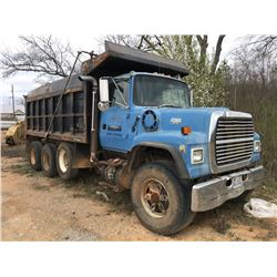 1993 FORD 8000