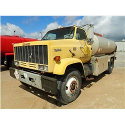 1990 GMC TOPKICK FUEL & LUBE TRUCK, VIN/SN:1GDM7D1Y3LV510340 - S/A, DIESEL ENGINE, 5 + 2 TRANS, 3270