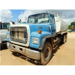 1993 FORD L8000 WATER TRUCK, VIN/SN:1FDZU82EXPVA09879 - TRI-AXLE, CUMMINS ENGINE, 9 SPEED TRANS, WAT