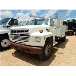 1994 FORD F700 SERVICE TRUCK, VIN/SN:1FDWK74C5RVA19379 - FORD DIESEL ENGINE, A/T, QUALITY SERVICE BO