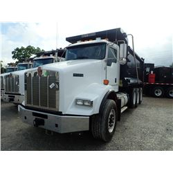 2019 KENWORTH T800 DUMP, VIN/SN:1NKDL40X7KJ217179 - TRI AXLE, 500 HP CUMMINS X15 ENGINE, ALLISON 450