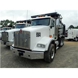 2019 KENWORTH T800 DUMP, VIN/SN:1NKDL40X8KJ223931 - TRI AXLE, 500 HP CUMMINS X15 ENGINE, ALLISON 450
