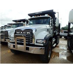 2019 MACK GU713 DUMP, VIN/SN:1M2AX07C6KM041420 - TRI AXLE, 455 HP MACK MP8 ENGINE, MACK M-DRIVE AUTO