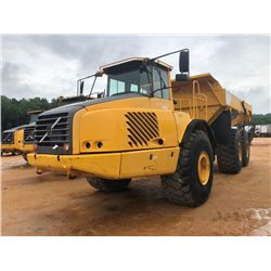 2005 VOLVO A40D ARTICULATED DUMP, VIN/SN:V700009 - TAILGATE, CAB, A/C, 29.5R25 TIRES, METER READING
